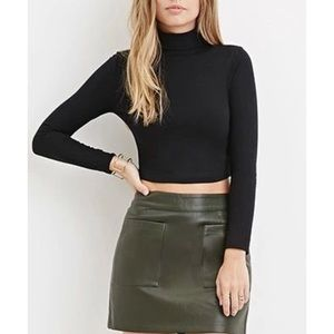 Black Cropped Turtle Neck